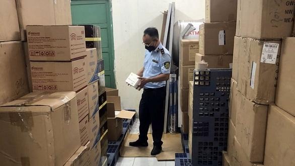 Phát hiện gần 10 000 khẩu trang nghi hàng giả trong khuôn viên Hội Chữ thập đỏ Việt Nam